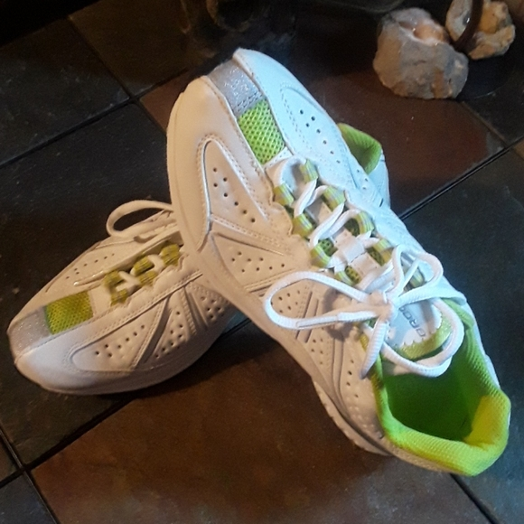 Brooks Shoes | Nwot Leather White Lime